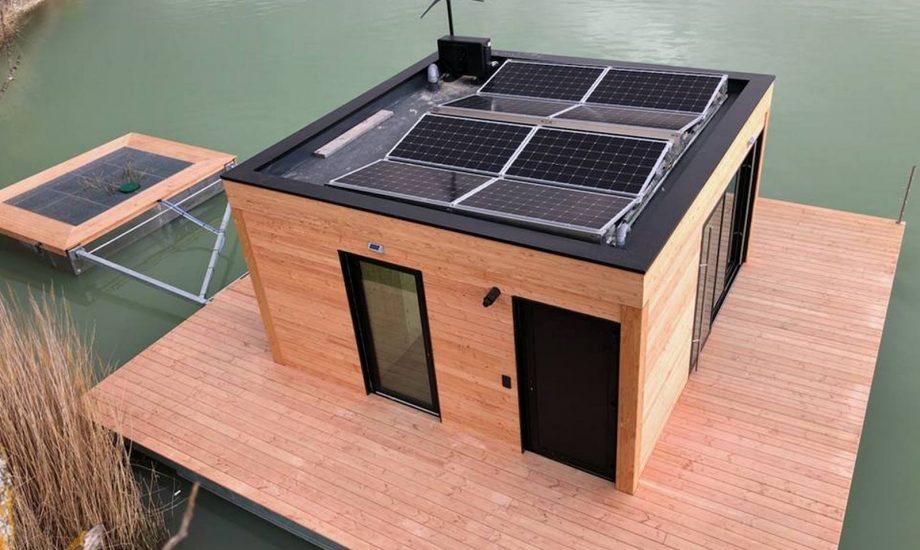 Maison flottante panneau solaire